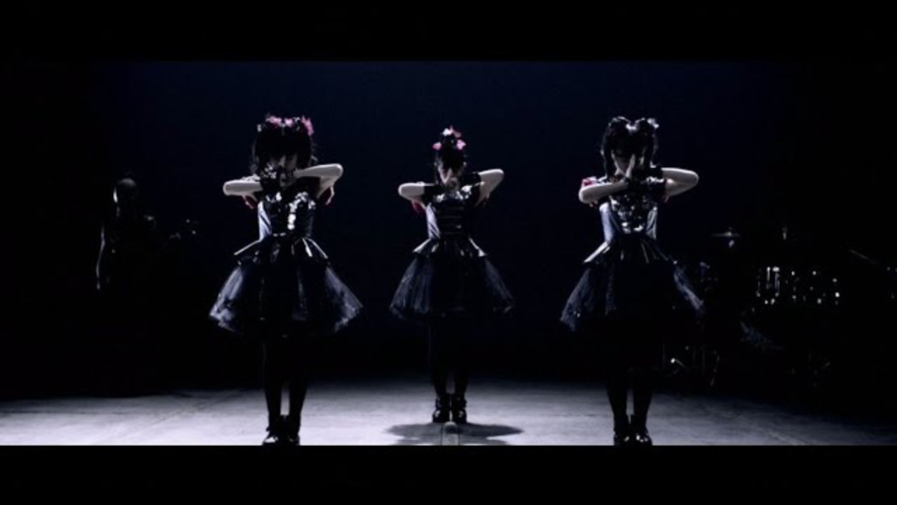 """BABYMETAL - KARATE (OFFICIAL)"" を YouTube で見る"